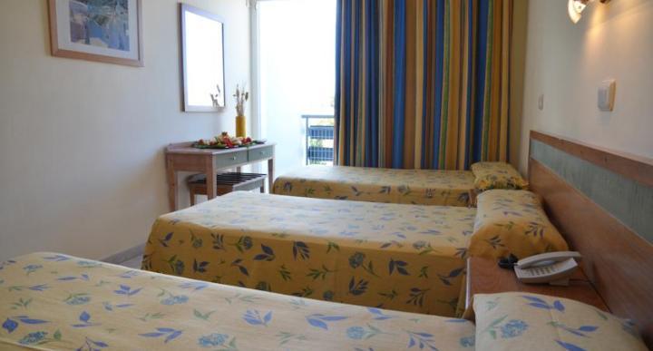Azuline Pacific Hotel Image 6