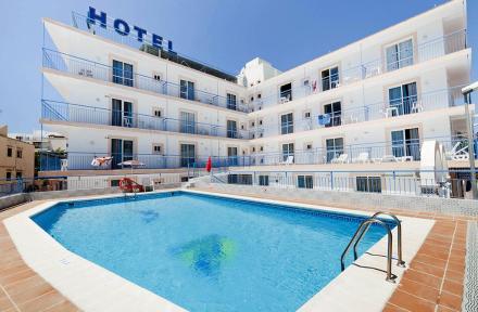 Hotel-Apartamentos del Mar in San Antonio, Ibiza, Balearic Islands