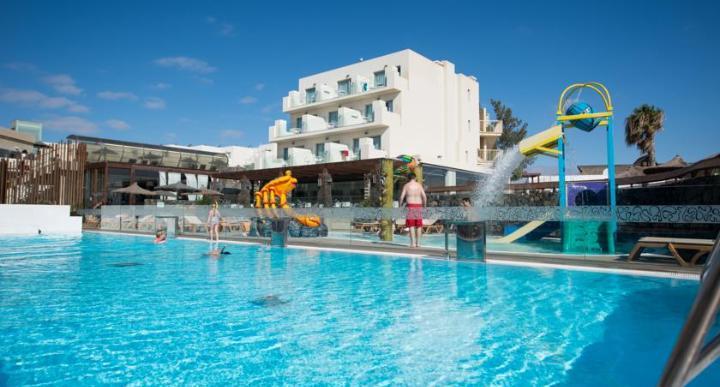 HD Beach Resort Image 13