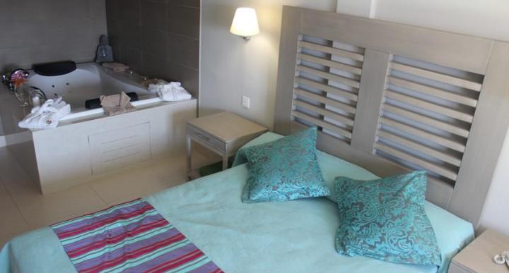 HD Beach Resort Image 1