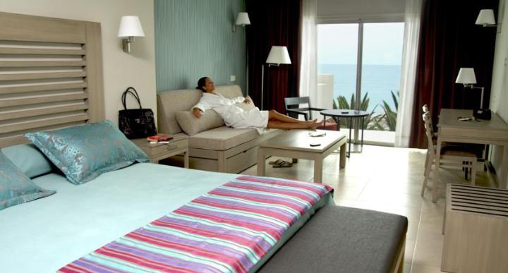 HD Beach Resort Image 2