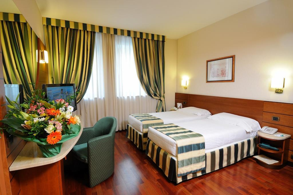 Best western hotel mirage in milan italy holidays from for Best western hotel city milan
