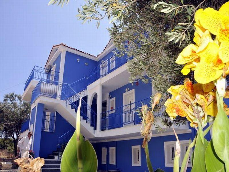 Folies Apartments in Lourdas, Kefalonia, Greek Islands