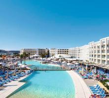 db Seabank Resort + Spa in Mellieha, Malta