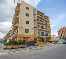 Huli Hotel & Apartments in St Paul's Bay, Malta