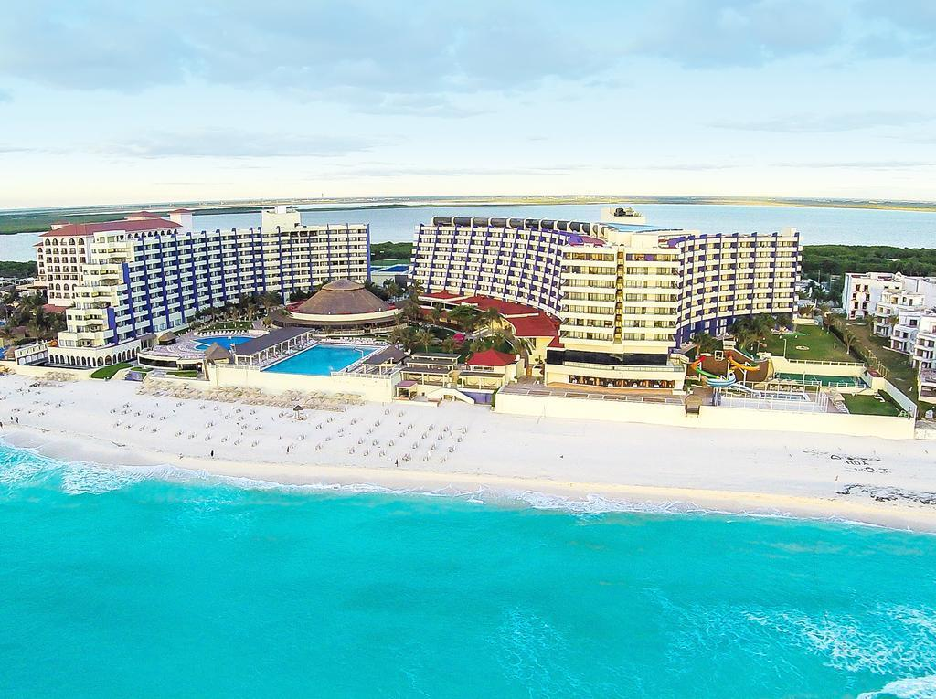 Crown Paradise Club Hotel in Cancun, Mexico