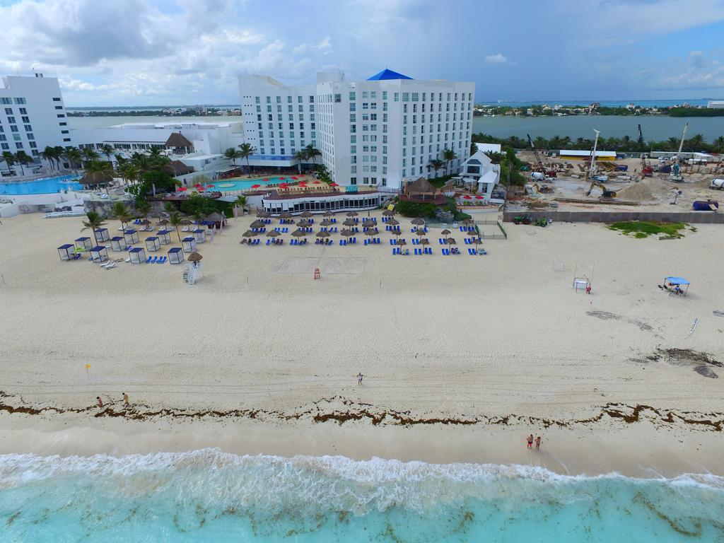 Sunset Royal Beach Resort All Inclusive In Cancun Mexico