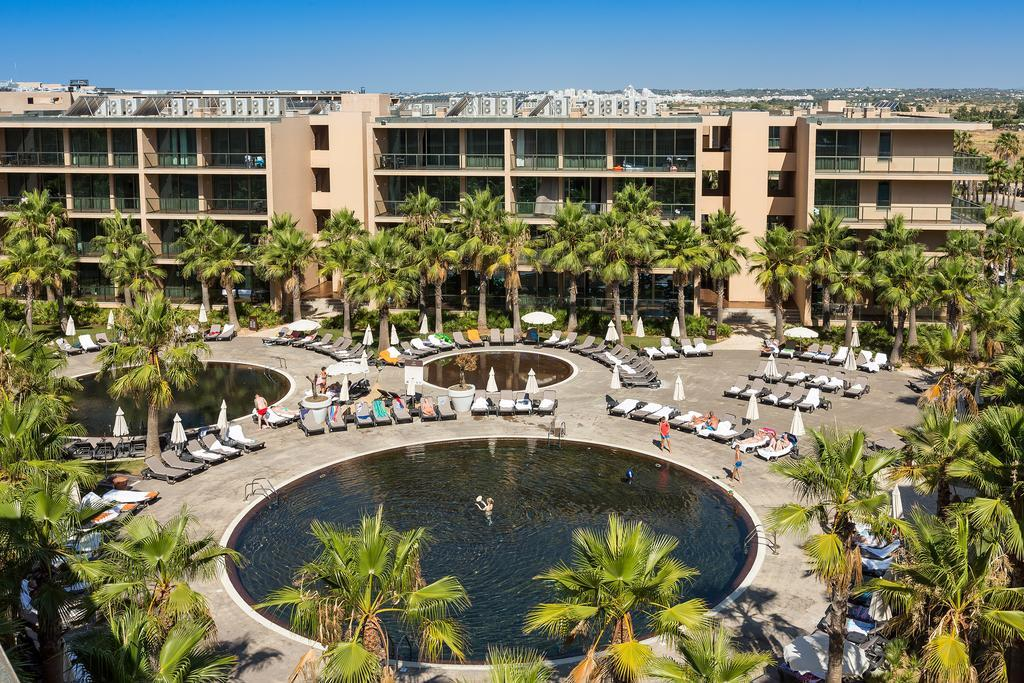 Salgados Palm Village Apartments & Suites in Albufeira, Algarve, Portugal