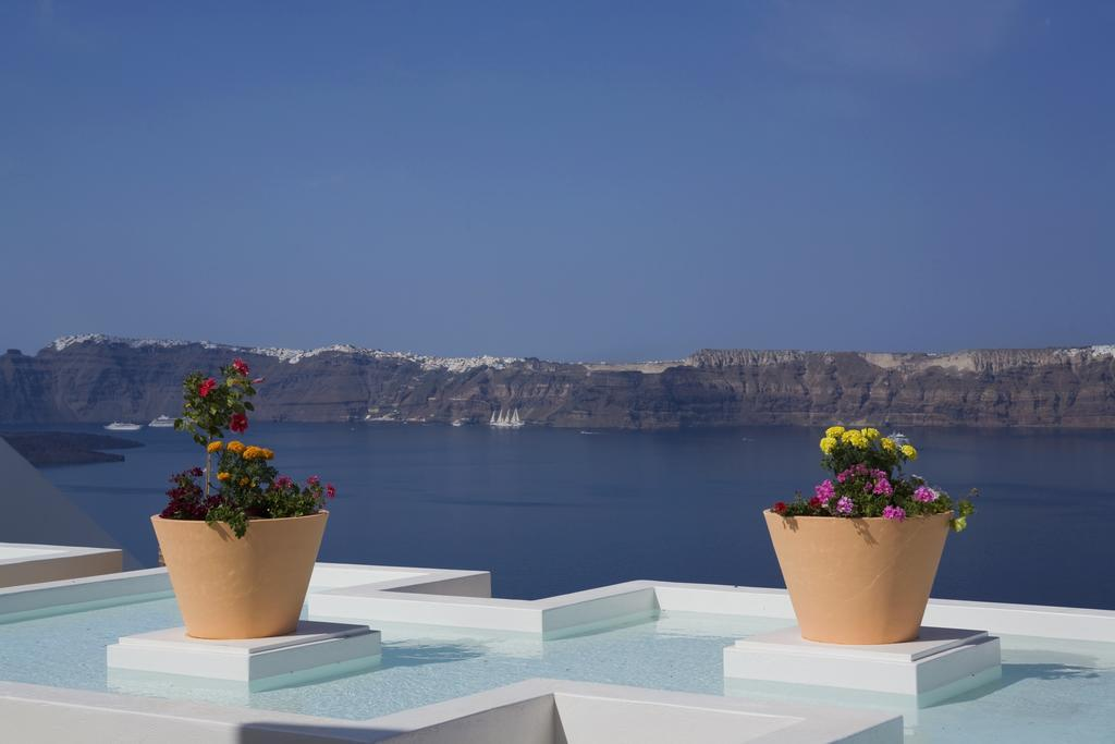 Maison Des Lys Luxury Suites in Akrotiri, Santorini, Greek Islands