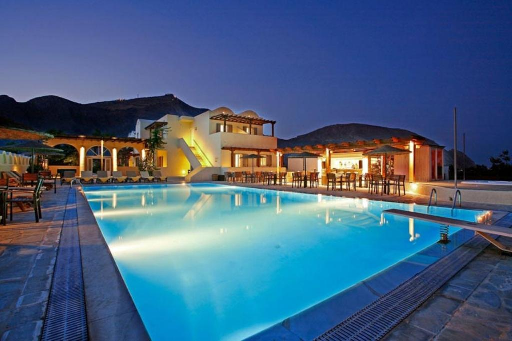 Thera Mare Hotel Resort & Spa