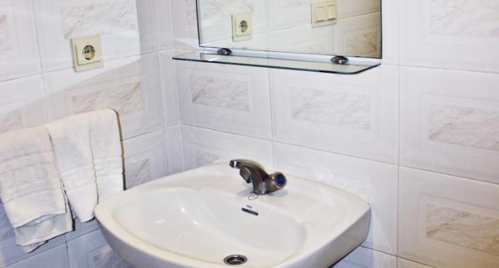 Click Benidorm Vistamar Apartments Image 11