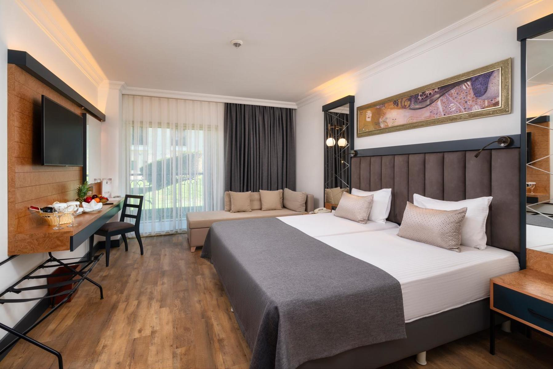 Alva Donna Exclusive Hotel & Spa – All Inclusive